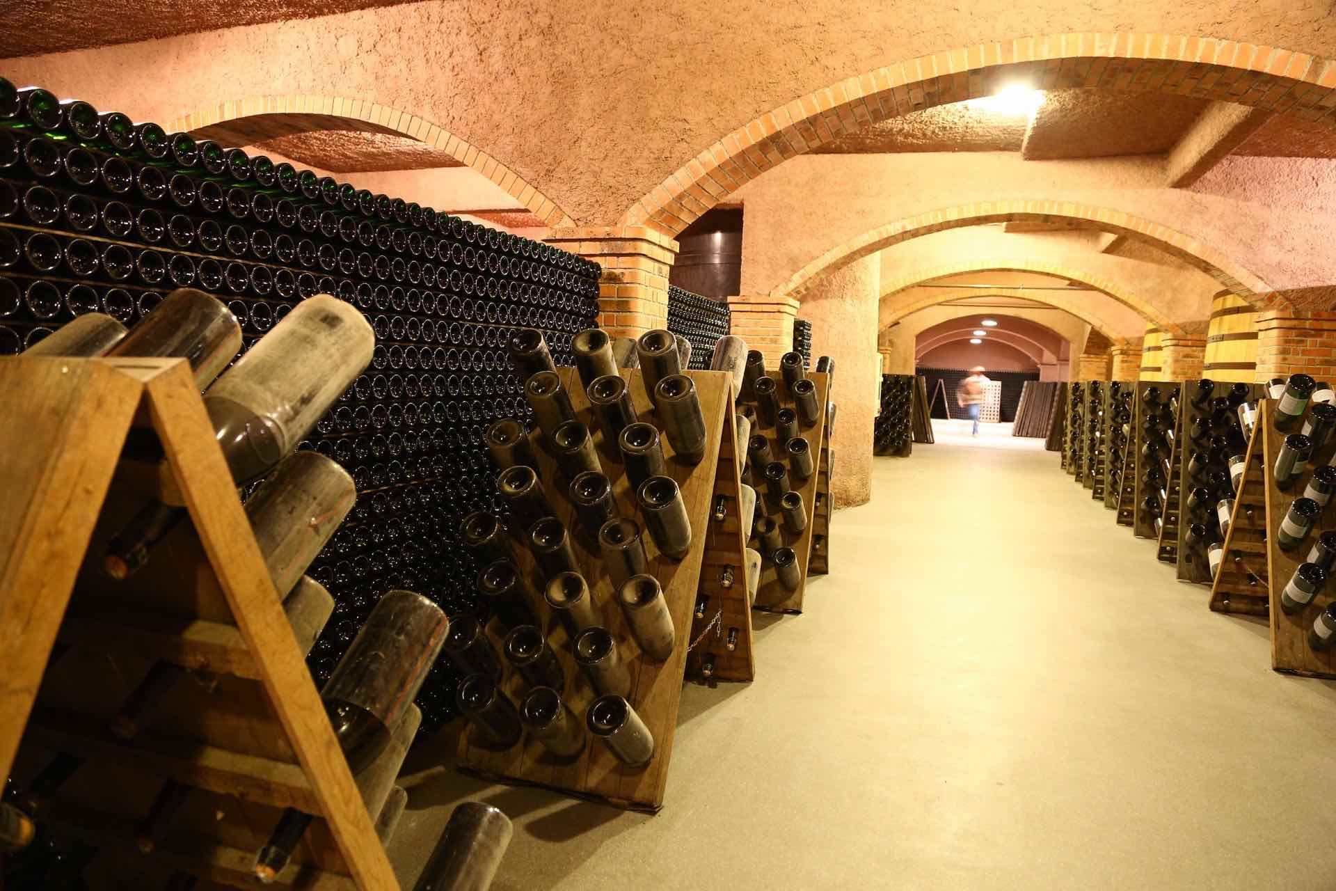 Domaine Drappier - アペロ ワインバー / apéro WINEBAR - vins et petits plats français - Minami Aoyama Tokyo