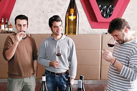 Domaine Riberach - アペロ ワインバー オーガニックワインxフランス家庭料理 - 東京都港区南青山3-4-6 / apéro WINEBAR - vins et petits plats français